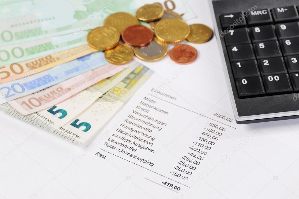 Euro Schein Und Münzen Mit Diagramm Und Taschenrechner Stockfoto