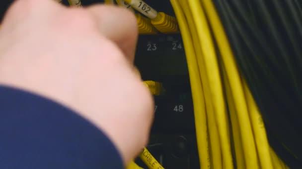 Kézzel csatlakoztassa ethernet-kábel