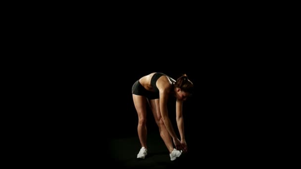 sportovní žena dělá cvičení