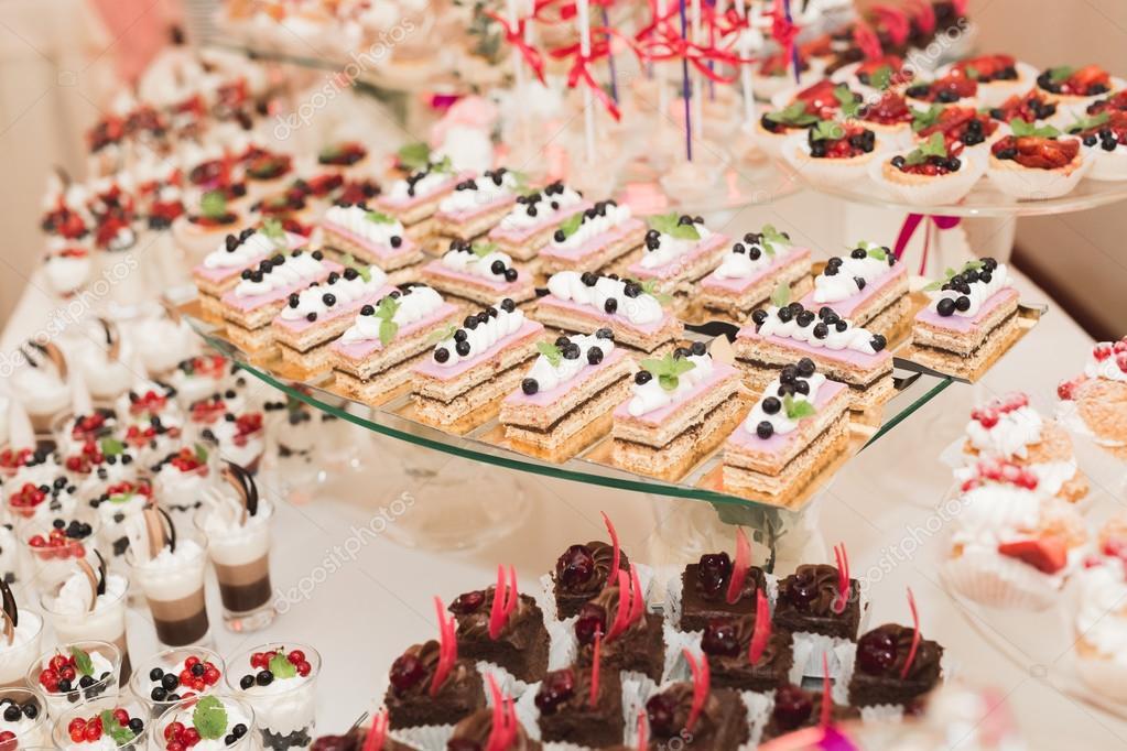 Buffet Di Dolci Battesimo : Buffet compleanno e feste come preparare un buffet senza stress