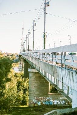 """Картина, постер, плакат, фотообои """"бетонный мост через промышленный ландшафт реки вблизи """", артикул 106502182"""