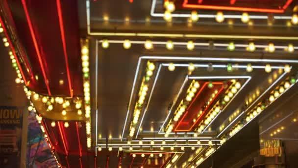 Las Vegas Kasino Červené a zlaté neonové pruhy značky Nevada USA