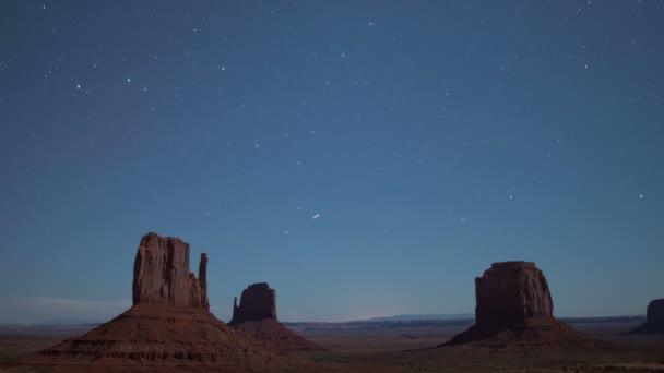 Monument Valley Stars and Airplanes Over East  West Mitten Merrick Butte Southwest Amerikai Egyesült Államok