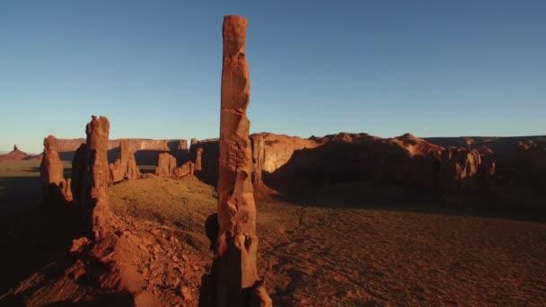 Monument Valley Sunset Aerial Shot Totem Pole Southwest Amerikai Egyesült Államok Forduljon balra