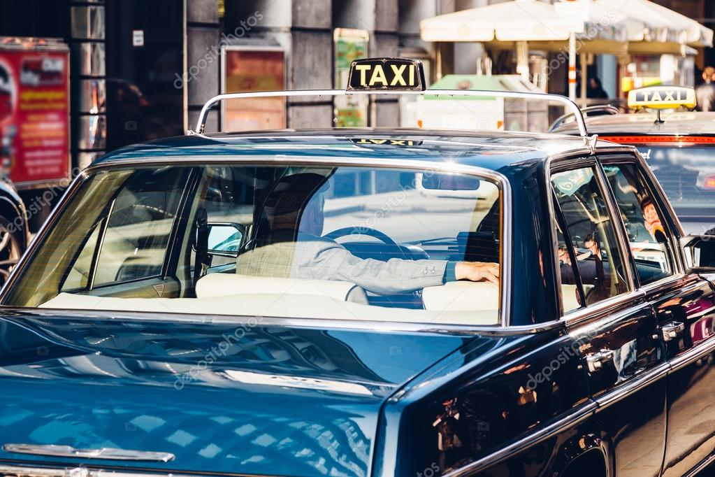 Taxi driver on the street – Stock Editorial Photo © knopper
