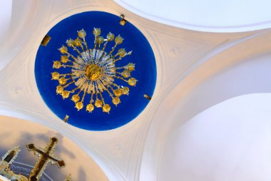 Panagia Stratolatissa chandelier cupola