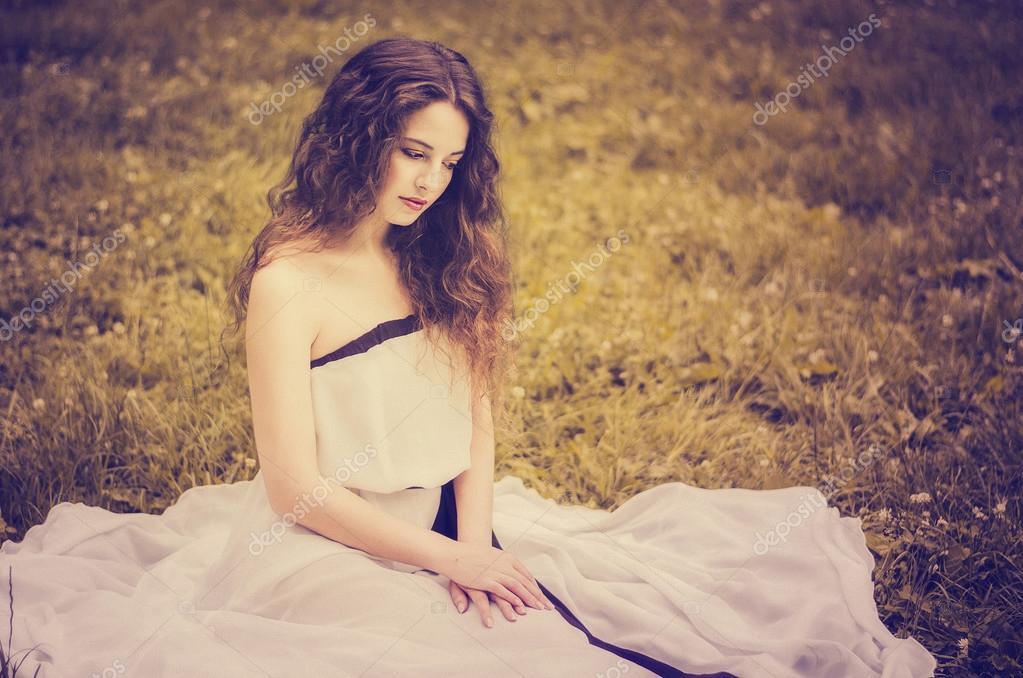Sonar de vestida de blanco