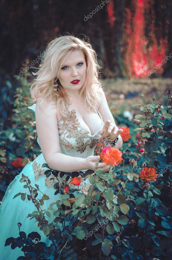 фото блондинок пышных