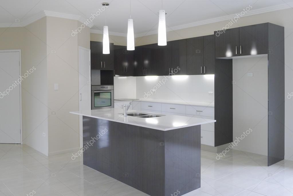 Neue Küche im neuen Haus — Stockfoto © sstoll.aapt.net.au #107049498