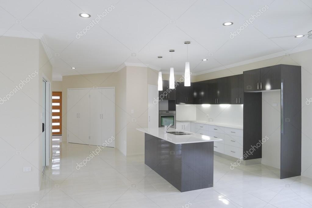 Neue Küche im neuen Haus — Stockfoto © sstoll.aapt.net.au #107065788