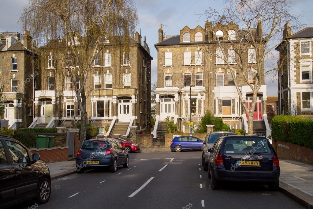 Londres Reino Unido 13 De Abril Fila De Casas Típicas De