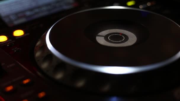 DJ Cd lejátszó és keverő, a párt