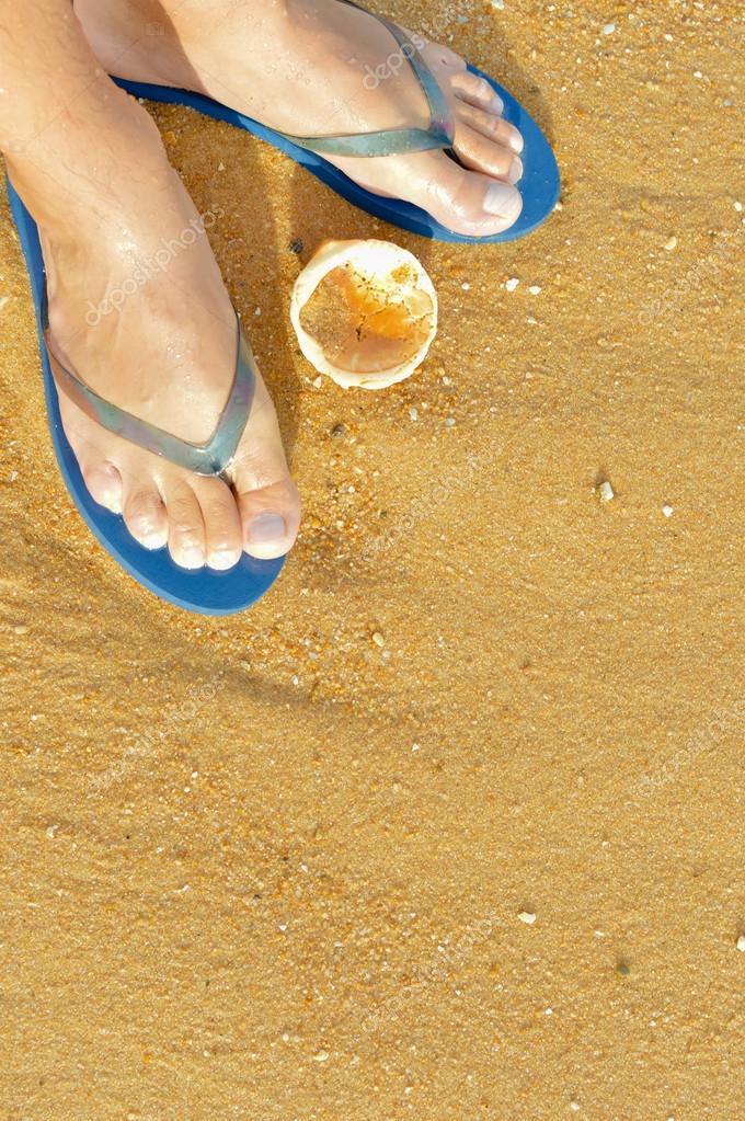 Fondo de playa al aire libre - pies de flip flops. Ideas para ...
