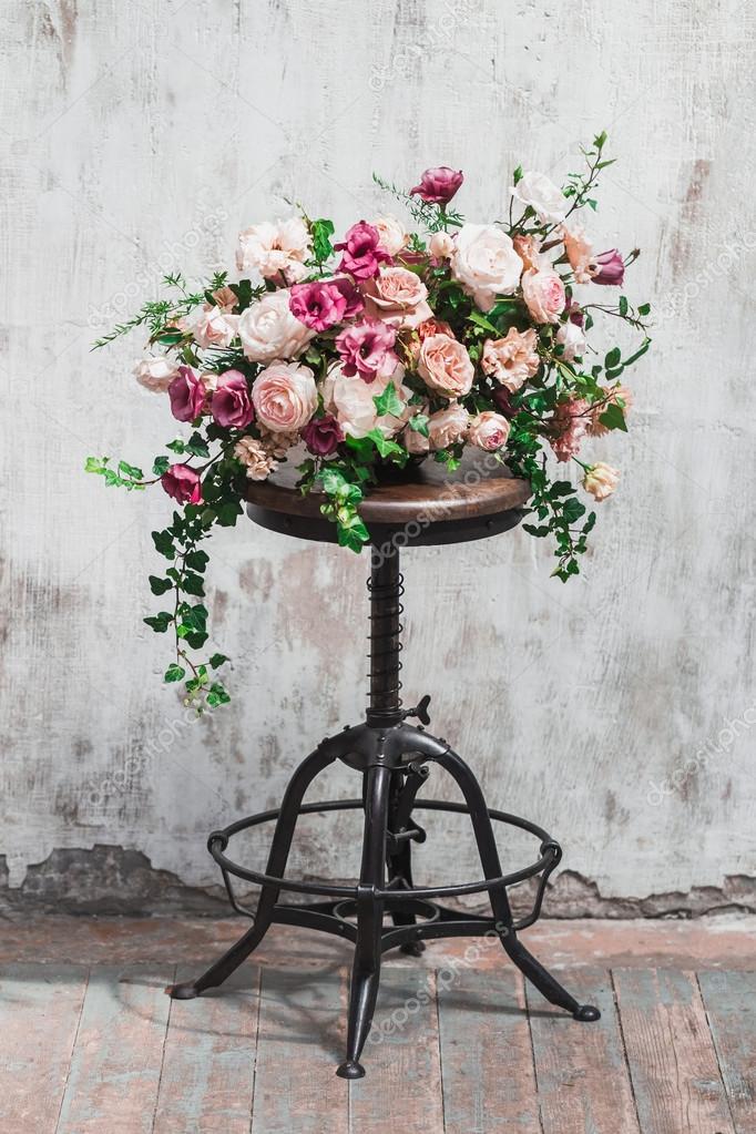 Hochzeit Blumenschmuck — Stockfoto © olegbreslavtsev #117963472