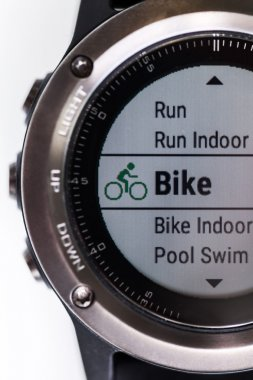 Fitness tracker with function for bicyle riding