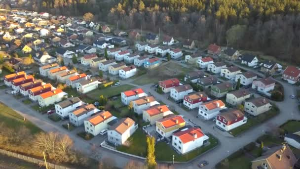 Az elővárosi terület légi rálátása lakóházakra.