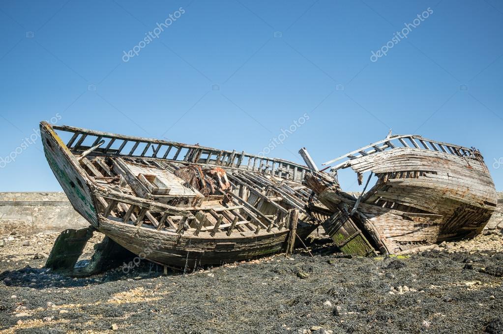 Marco de madera de naufragios — Fotos de Stock © hzparisien@gmail ...