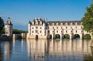 Chenonceau castle at dusk