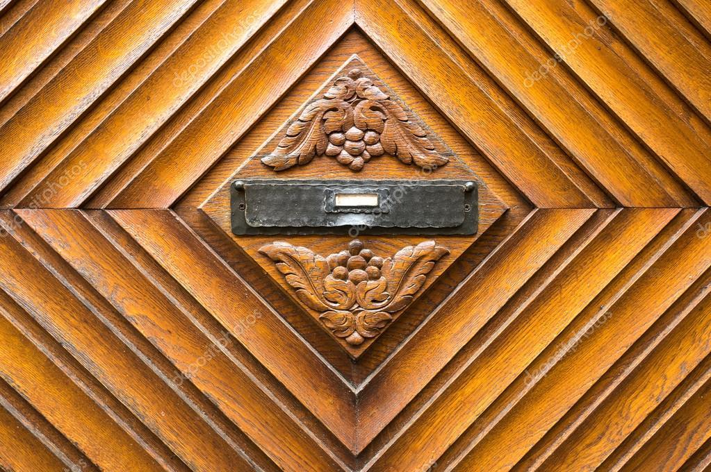 ancienne bo te aux lettres en bois photographie hzparisien 99889640. Black Bedroom Furniture Sets. Home Design Ideas