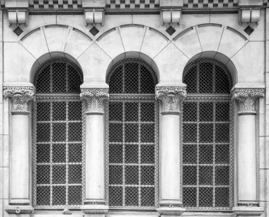 Windows with Corinthian columns