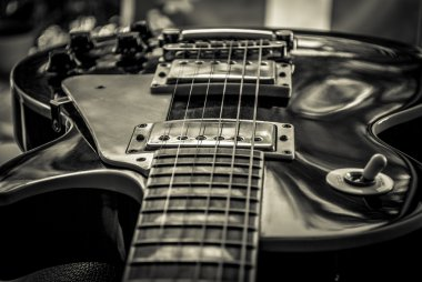 Guitar lightning vibes