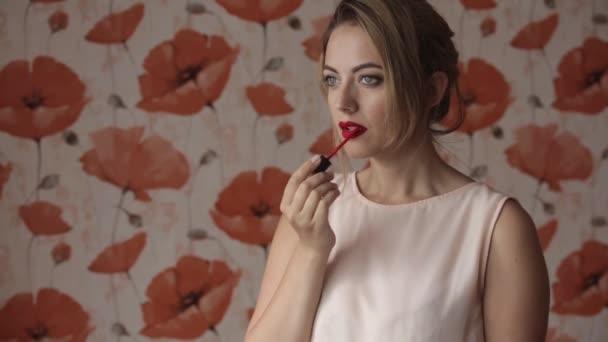 krásná žena dostane make-up