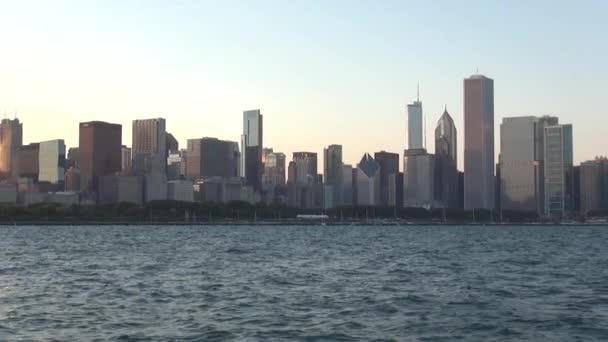 Gün batımında Chicago Skyline