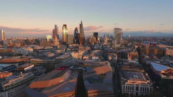 London látképére az esti napfény - széles-szög lövés