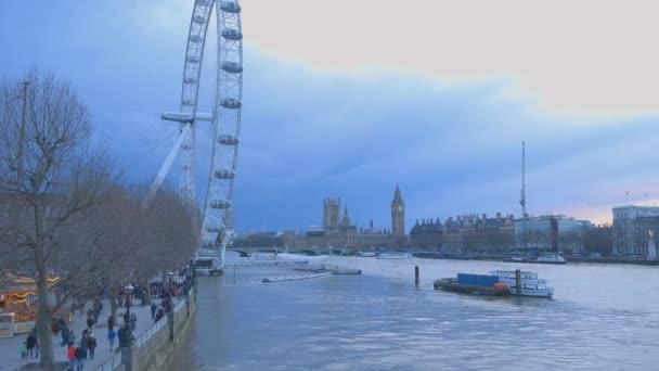 Panorama Londýna London Eye a Westminster