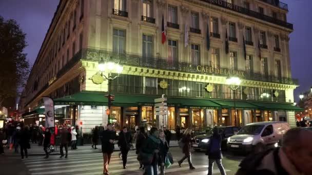 Slavná Café de la Paix v Paříži - Paříž, Francie