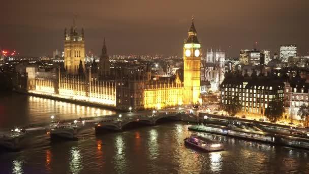 Westminsterský palác parlamentu Westminster Bridge a Big Ben nadhled v noci - Londýn, Anglie