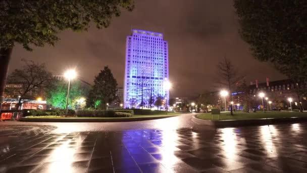 Modern színes világító épületben, a londoni southbank - London, Anglia