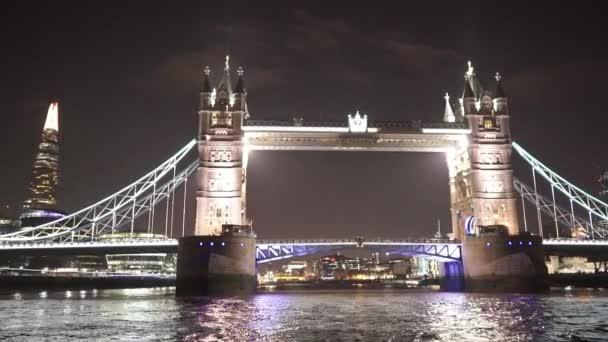 Velká noční záběr Tower Bridge Londýn - Londýn, Anglie