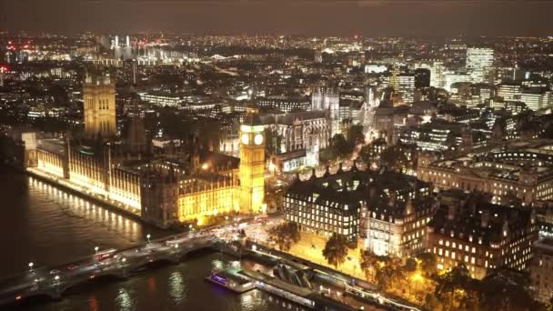 Domy z parlamentu a Big Ben nadhled v noci - Londýn, Anglie