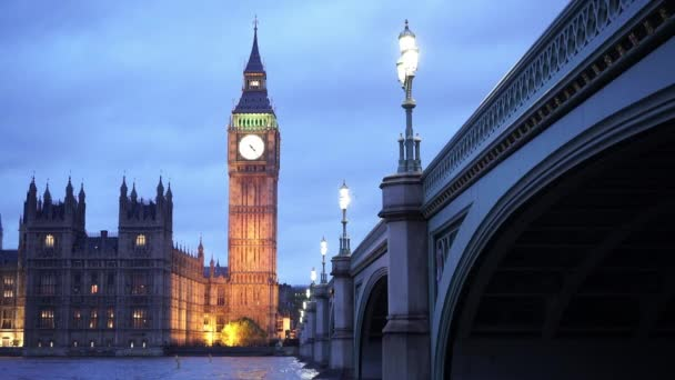 Westminsterský palác s Big Ben večer - Londýn, Anglie