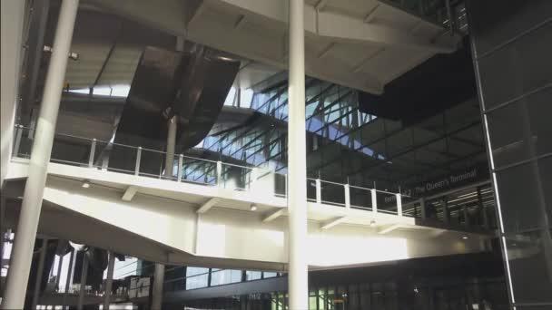 Londra heathrow aeroporto terminal u video stock kclips