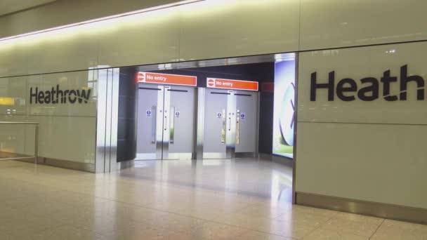 London Flughafen Ankunft
