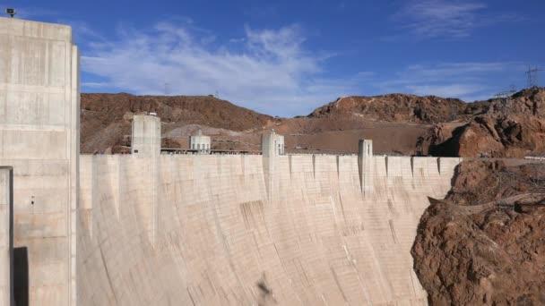 die riesige staudammmauer zwischen nevada und arizona