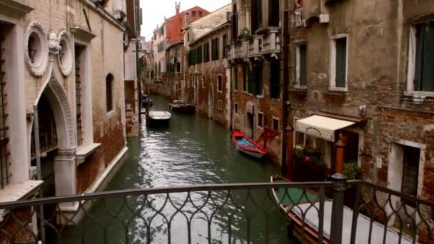 Gondel auf Kanal - Venedig, Venedig und Boote
