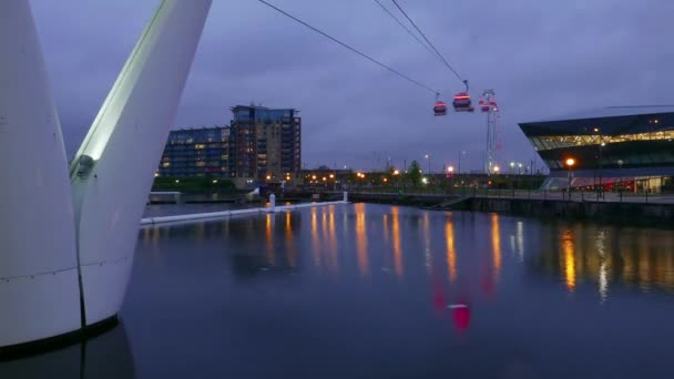 Time-lapse of Emirates Airline aerial passenger tramway London by night