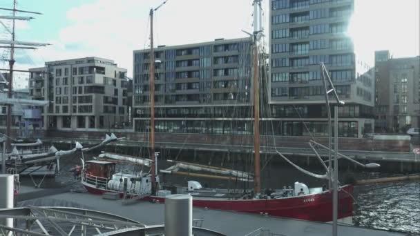 Segelboot am Hamburger Hafen Hamburg Deutschland