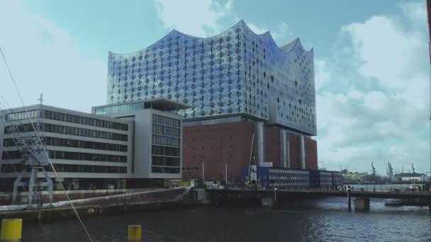 Modernes Gebäude Elbphilharmonie am Hamburger Hafen Hamburg Deutschland