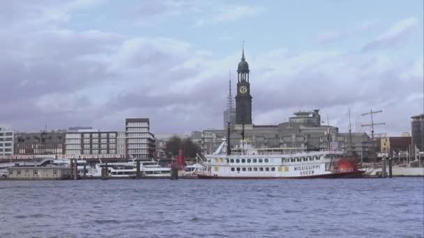 mississippi queen raddampfer am landungsbrücken hamburg hamburg deutschland