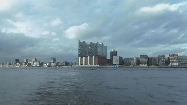 Große Hamburg-Skyline mit Elbphilharmonie Hamburg Deutschland