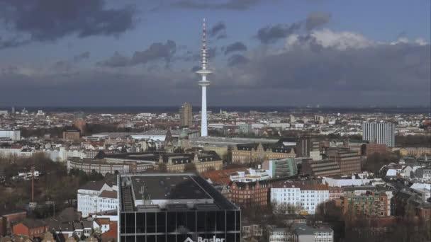 Luftaufnahme über hamburg mit funkturm hamburg deutschland