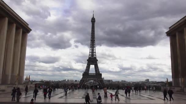 Trocadero, Eiffelova věž v Paříži - Paříž, Francie 30 březen 2013