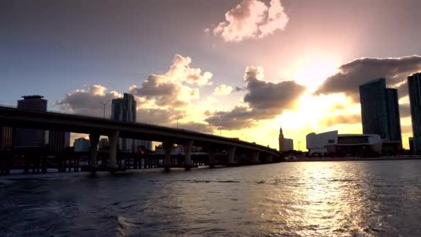 skyline di Miami al tramonto