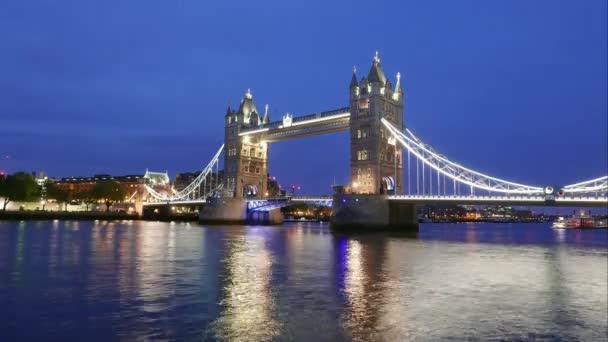 Den do noci časová prodleva Londýna Tower Bridge