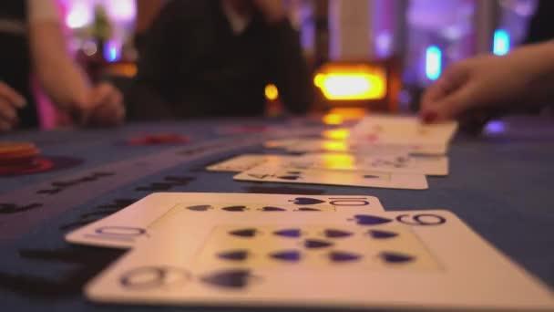 Black Jack Casino-Spiel - Nahaufnahme Blick auf Spielkarten