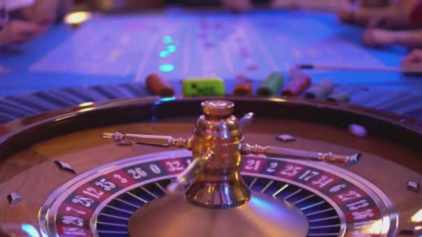 Рулетка казино видео
